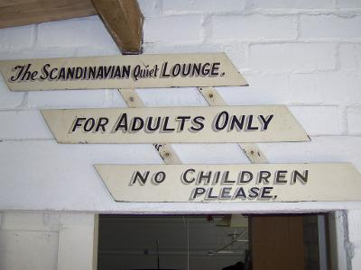 Scandinavian-Quiet-Lounge-Sign-Top-Camp